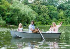 roeiboot met gezin