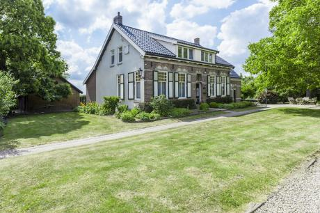 Bronzigt - Nederland - Zeeland - 14 personen